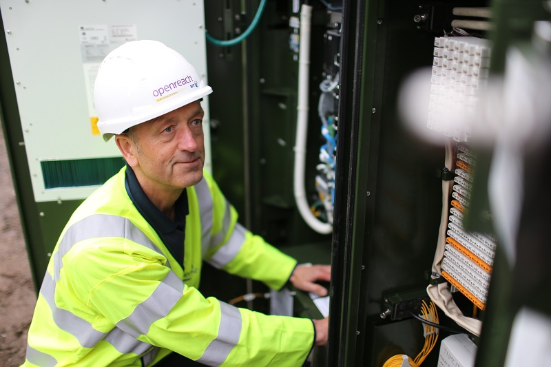 What if I can't get fibre broadband near me? Fibre broadband engineer cabinet