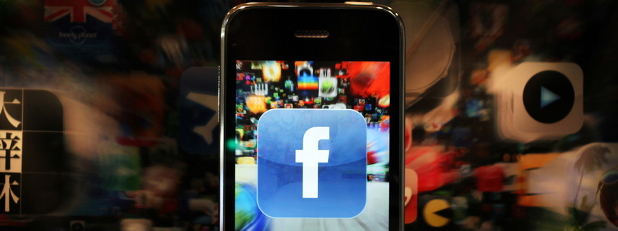 Teens flee Facebook as mums and dads take over